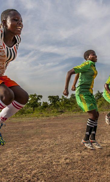 Championnes : le football pour faire progresser l'égalité filles-garçons